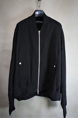 <img class='new_mark_img1' src='https://img.shop-pro.jp/img/new/icons8.gif' style='border:none;display:inline;margin:0px;padding:0px;width:auto;' />A.F ARTEFACT Sweat  Bomber Jacket