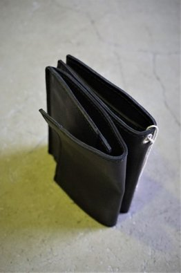 <img class='new_mark_img1' src='https://img.shop-pro.jp/img/new/icons8.gif' style='border:none;display:inline;margin:0px;padding:0px;width:auto;' />GUIDI LEATHER DOUBLE WALLET