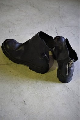 <img class='new_mark_img1' src='https://img.shop-pro.jp/img/new/icons8.gif' style='border:none;display:inline;margin:0px;padding:0px;width:auto;' />GUIDI BACK ZIP VIBRAM SOLE