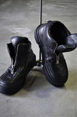 <img class='new_mark_img1' src='https://img.shop-pro.jp/img/new/icons8.gif' style='border:none;display:inline;margin:0px;padding:0px;width:auto;' />GUIDI FRONT ZIP SOLE RUBBER
