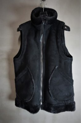 <img class='new_mark_img1' src='https://img.shop-pro.jp/img/new/icons8.gif' style='border:none;display:inline;margin:0px;padding:0px;width:auto;' />DEVOA Baby Lam Mouton Vest