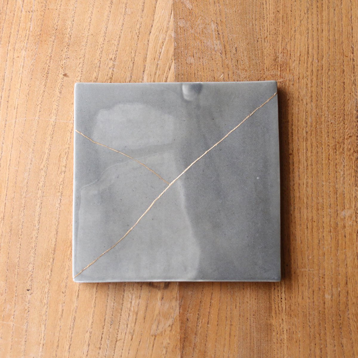 Square plate  /gray