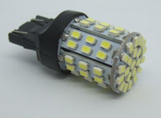 T20 ウエッジ球 64SMD LED 光拡散タイプ<白・6000K> DC12V 21/5W 置換え ダブル球