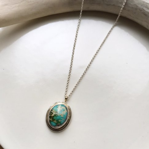 Little Earth Necklace Gold Rim /Royston Turquoise 4