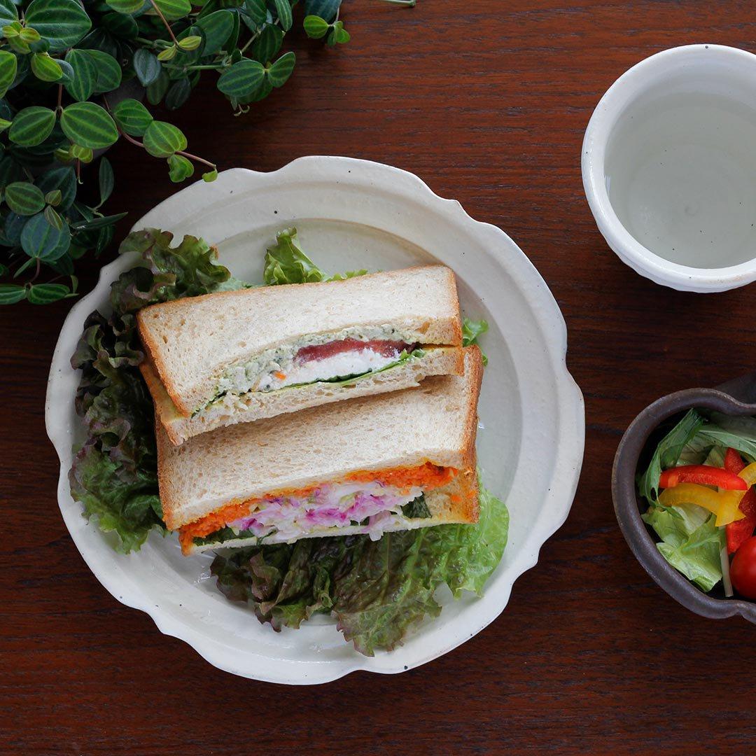 彫刻皿7寸 鉄散 / 古谷製陶所