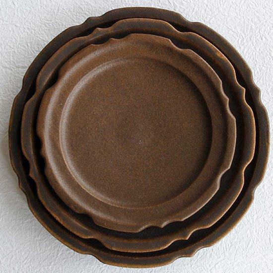 彫刻皿7寸 サビ釉 / 古谷製陶所