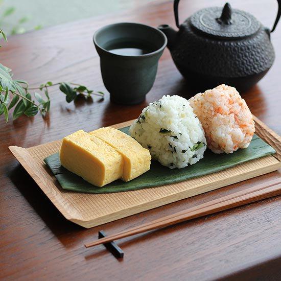 くるみの木のトレイ / 堀宏治