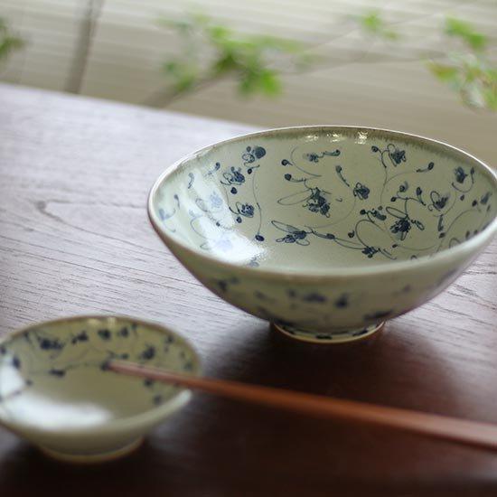 花唐草鉢 大 / 石井桃子