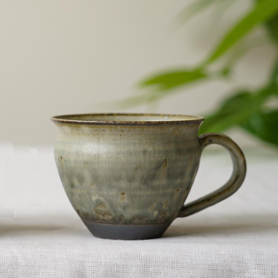 マグカップ 三角 彩色灰釉 / 市野耕