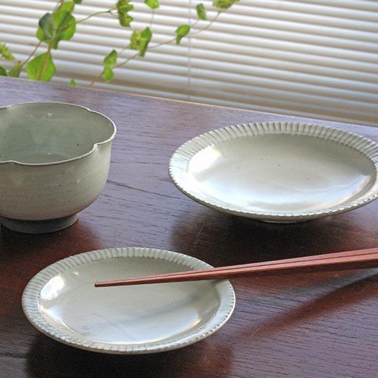 4寸リム鎬皿 粉引 / 市野耕