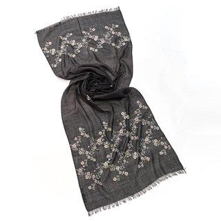 【Daimond Flower Pattern (ダイヤモンドフラワー)】薄手ウール・シルク アリー手刺繍ストール(オフブラック)