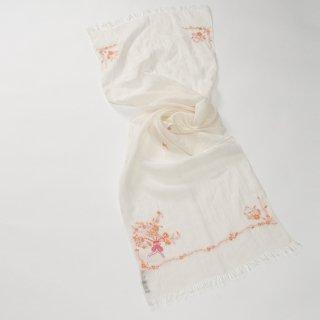 【17%OFF】【Small Flower Boquet(スモールフラワーブーケ】麻素材 アリー手刺繍ストール(ホワイト/オレンジ)