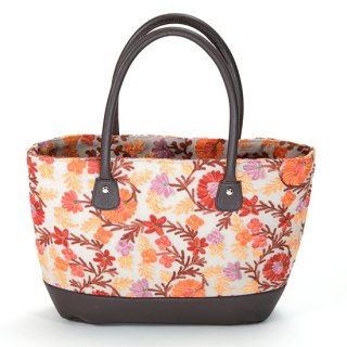 <img class='new_mark_img1' src='https://img.shop-pro.jp/img/new/icons8.gif' style='border:none;display:inline;margin:0px;padding:0px;width:auto;' />【FLOWER TOTE BAG(フラワートートバッグ)】マシン刺繍トートバッグ (オレンジ)