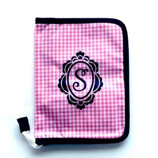 マルチケース イニシャル柄ピンク