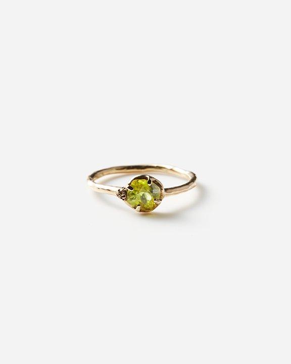 Moss ring スフェーン