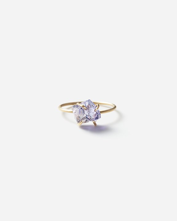 Tanzanite GemRing<img class='new_mark_img2' src='https://img.shop-pro.jp/img/new/icons8.gif' style='border:none;display:inline;margin:0px;padding:0px;width:auto;' />