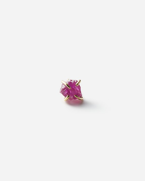 Ruby Gem Earring (Myanmar)<img class='new_mark_img2' src='https://img.shop-pro.jp/img/new/icons8.gif' style='border:none;display:inline;margin:0px;padding:0px;width:auto;' />