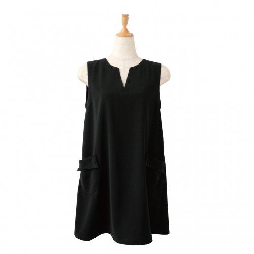 57001ブラックドレス 美シルエット