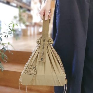 <img class='new_mark_img1' src='https://img.shop-pro.jp/img/new/icons25.gif' style='border:none;display:inline;margin:0px;padding:0px;width:auto;' />PARACHUTE NYLON BAG〈パラシュートナイロンバッグ〉