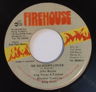 JOHN WAYNE - ME NO BOOPS LOVER
