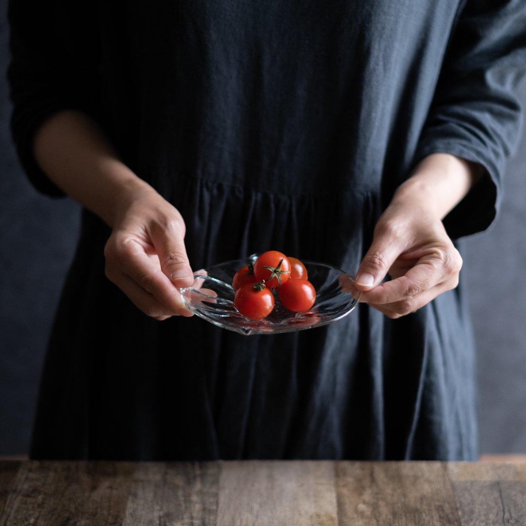 【5月31日発売】吹きガラス工房一星 山田奈緒子 モール変形皿 小