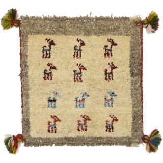ペルシャンギャッベ ベージュ系 座布団サイズ 約37×37cm