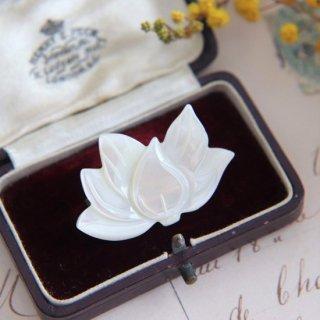 ロータスのお花 マザーオブパール ヴィンテージブローチ