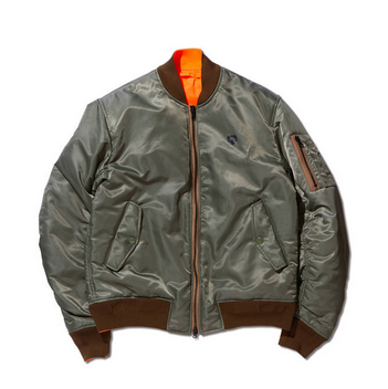 <img class='new_mark_img1' src='https://img.shop-pro.jp/img/new/icons20.gif' style='border:none;display:inline;margin:0px;padding:0px;width:auto;' />REVERSIBLE BOMBER JACKET OLIVE