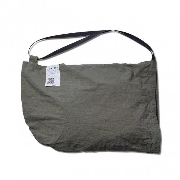 <img class='new_mark_img1' src='https://img.shop-pro.jp/img/new/icons10.gif' style='border:none;display:inline;margin:0px;padding:0px;width:auto;' />TWB PACKABLE SLING BAG GREEN