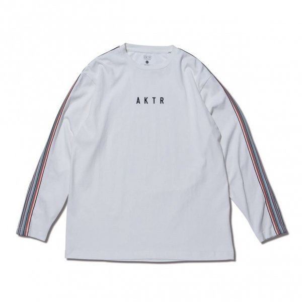 <img class='new_mark_img1' src='https://img.shop-pro.jp/img/new/icons10.gif' style='border:none;display:inline;margin:0px;padding:0px;width:auto;' />MULTI STRIPE BRAID L/S TEE WHITE