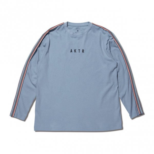 <img class='new_mark_img1' src='https://img.shop-pro.jp/img/new/icons10.gif' style='border:none;display:inline;margin:0px;padding:0px;width:auto;' />MULTI STRIPE BRAID L/S TEE BLUE
