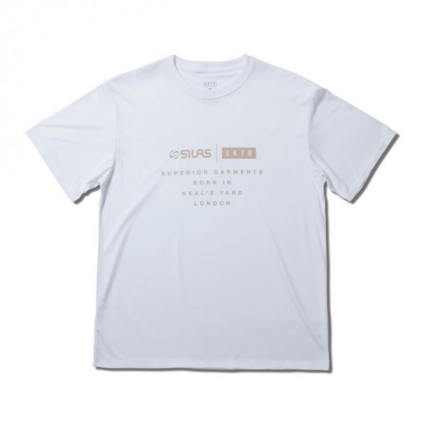<img class='new_mark_img1' src='https://img.shop-pro.jp/img/new/icons14.gif' style='border:none;display:inline;margin:0px;padding:0px;width:auto;' />SILAS TEE WHITE