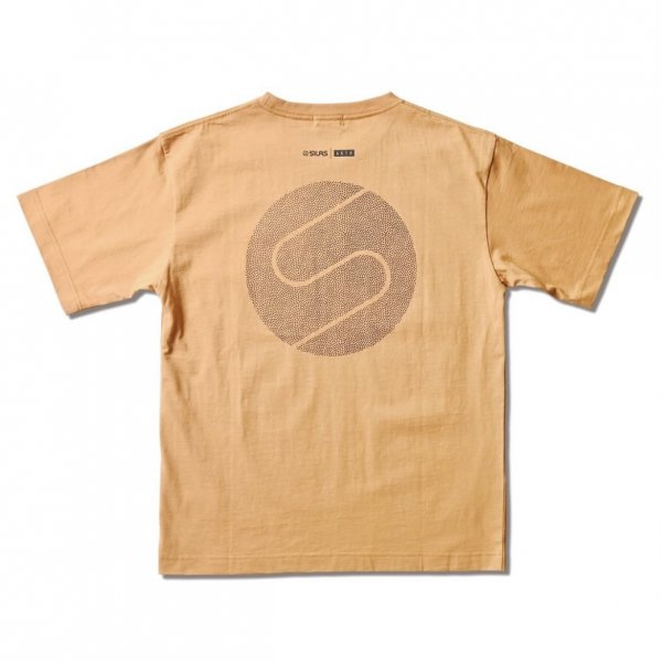 <img class='new_mark_img1' src='https://img.shop-pro.jp/img/new/icons14.gif' style='border:none;display:inline;margin:0px;padding:0px;width:auto;' />SILAS COTTON TEE BEIGE