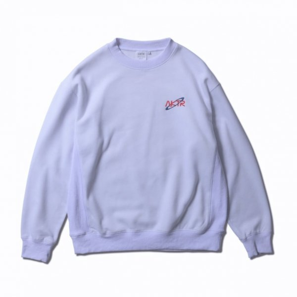 <img class='new_mark_img1' src='https://img.shop-pro.jp/img/new/icons14.gif' style='border:none;display:inline;margin:0px;padding:0px;width:auto;' />SPACE B.BALL PHOTO SWEAT CREW NECK WHITE