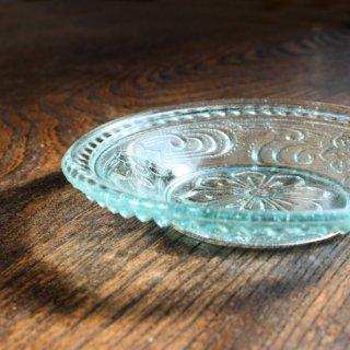 プレスガラス皿 川に水仙