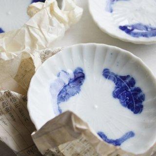 陽刻豆皿 菊