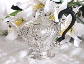 英国アンティーク【純銀】1877年 ティーポット