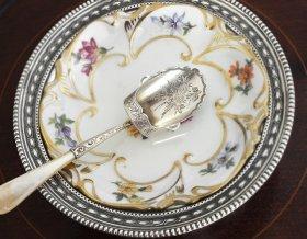 【純銀】1901年 白蝶貝ハンドルのキャディースプーン William Devonport