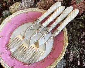 英国銀器【純銀】1868年 白蝶貝のデザートフォーク4本 ※値引き対象外