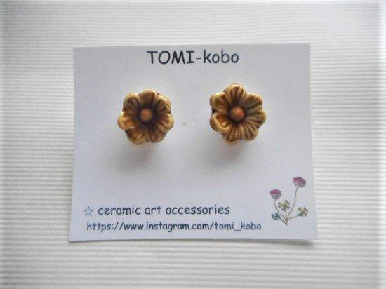 TOMI-kobo お花のピアス(淡あめ)