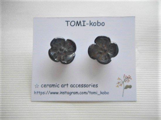 TOMI-kobo お花のピアス(メタリック)