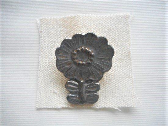 TOMI-kobo お花のブローチ(メタリック)