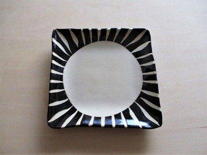 美濃焼 黒十草 角皿