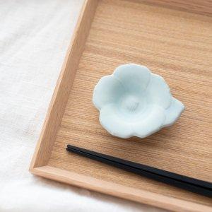 瀬戸焼花型豆皿(ライトブルー)
