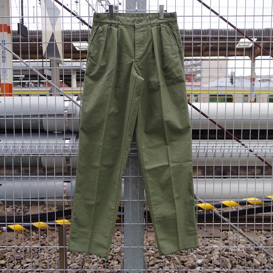 "Pt.Alfred ""#55852 Classic 2tuck trousers""<img class='new_mark_img2' src='https://img.shop-pro.jp/img/new/icons14.gif' style='border:none;display:inline;margin:0px;padding:0px;width:auto;' />"