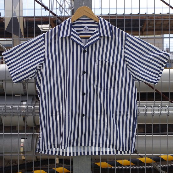 """CORONA """"FRENCH CAFFE SHIRT""""<img class='new_mark_img2' src='https://img.shop-pro.jp/img/new/icons14.gif' style='border:none;display:inline;margin:0px;padding:0px;width:auto;' />"""