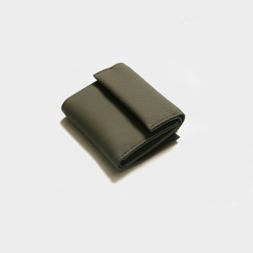 <img class='new_mark_img1' src='https://img.shop-pro.jp/img/new/icons57.gif' style='border:none;display:inline;margin:0px;padding:0px;width:auto;' />ERA. / BUBBLE CALF MINI WALLET「Gray」