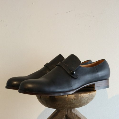 forme (フォルメ)  / Button Strap Shoes「Incal horse black」
