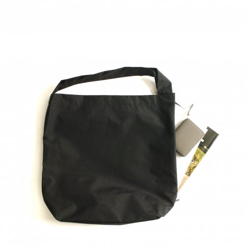 <img class='new_mark_img1' src='https://img.shop-pro.jp/img/new/icons6.gif' style='border:none;display:inline;margin:0px;padding:0px;width:auto;' />ERA. / B.T PIPE BAG 「Black」