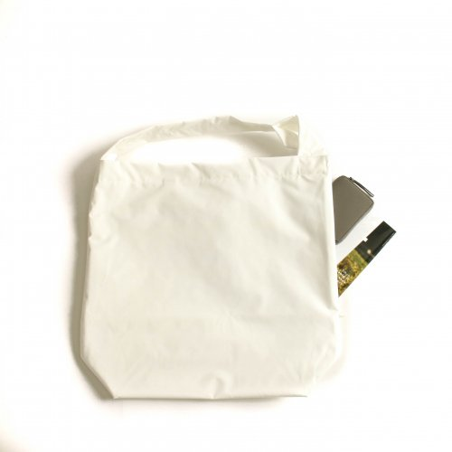 <img class='new_mark_img1' src='https://img.shop-pro.jp/img/new/icons6.gif' style='border:none;display:inline;margin:0px;padding:0px;width:auto;' />ERA. / B.T PIPE BAG  「White」